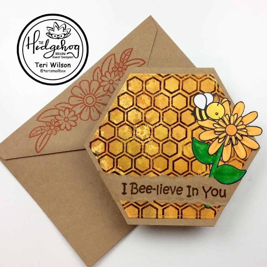 LET'S MAKE A HONEYCOMB-SHAPED CARD WITH THE HEDGEHOG HOLLOW!